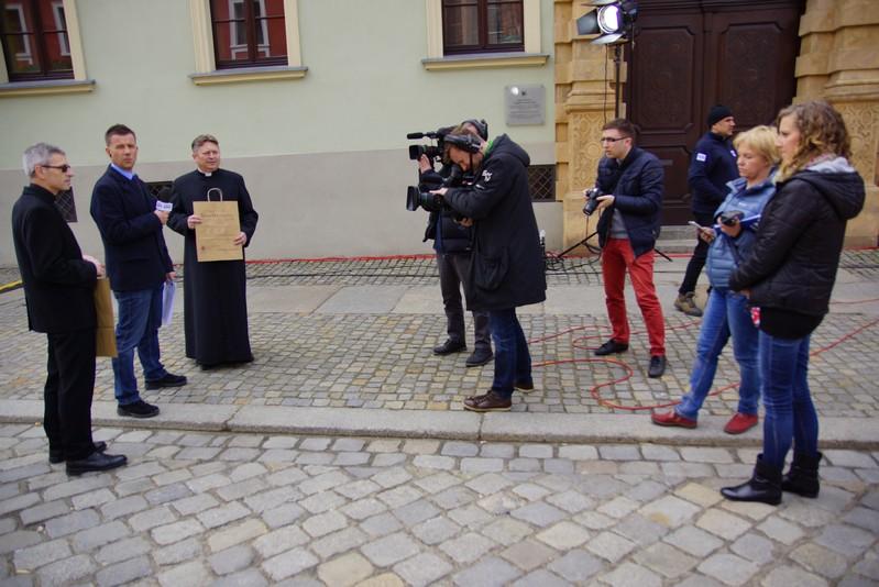 Polska pomaga na Wielkanoc
